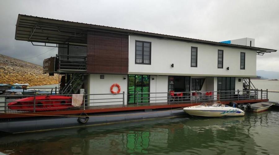 Kenyir Houseboat 3