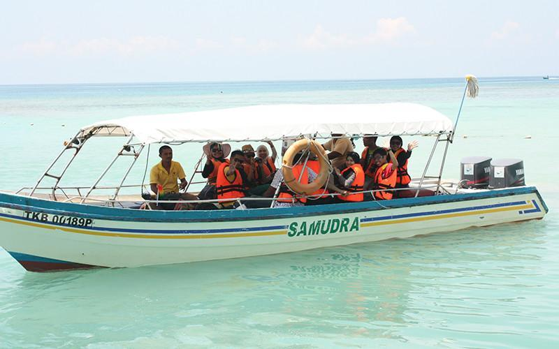 Bot Laju Samudra Beach Chalet