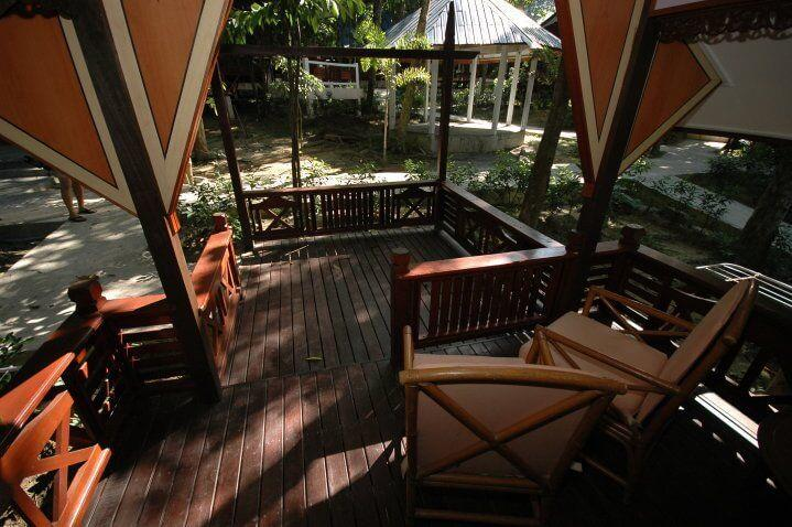 Gallery-Snorkeling-Shari-La-Island-Resort