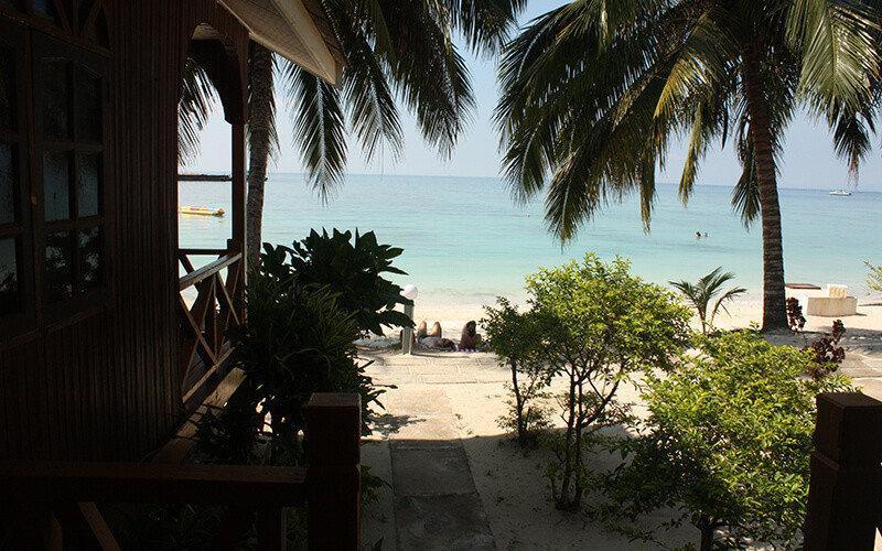 Pemandagan-Dari-Bakoni-Samudra-Beach-Chalet