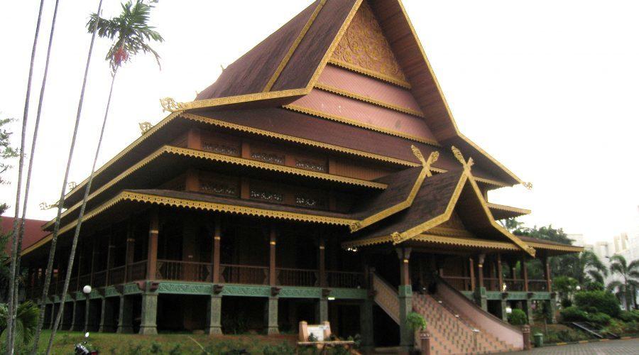 TMII Riau Pavilion Malay House 01
