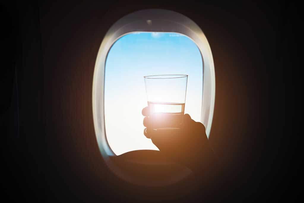 drink-during-the-flight-PP8LRTF-2
